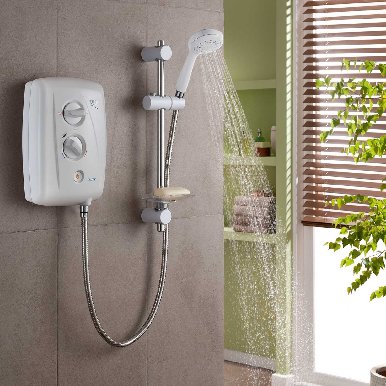 Triton | T80Z | Fast Fit | Electric shower | White Body | White rail | lifestyle